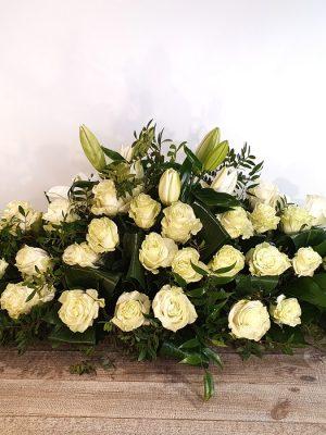 Pièces de deuil A Nos Racines dessus de cercueil traditionnel